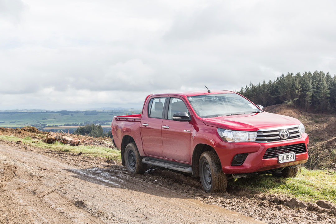 2016 toyota hilux 2wd